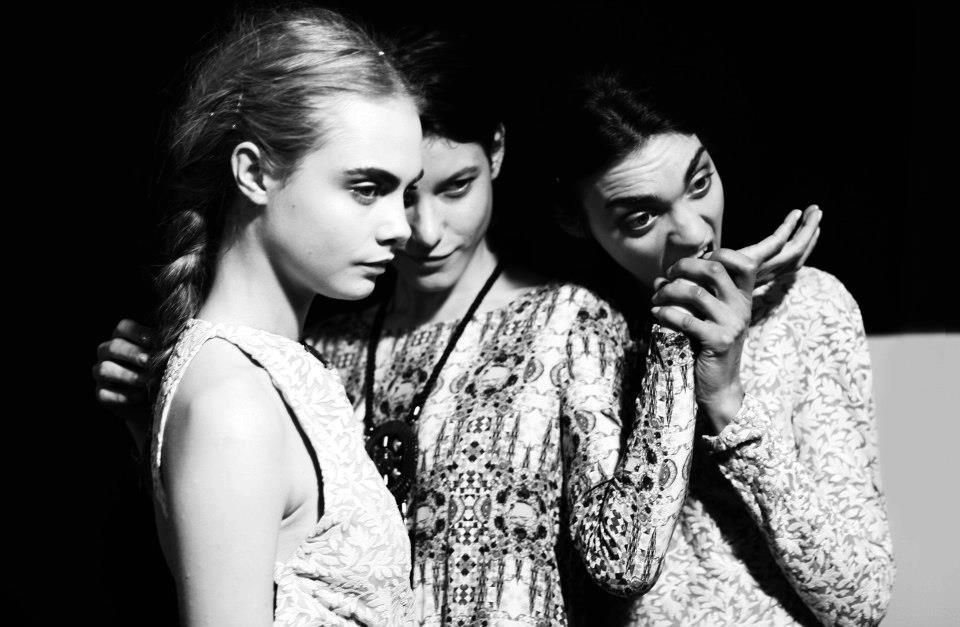 Magda plus friends. Cara Delevingne one of those.