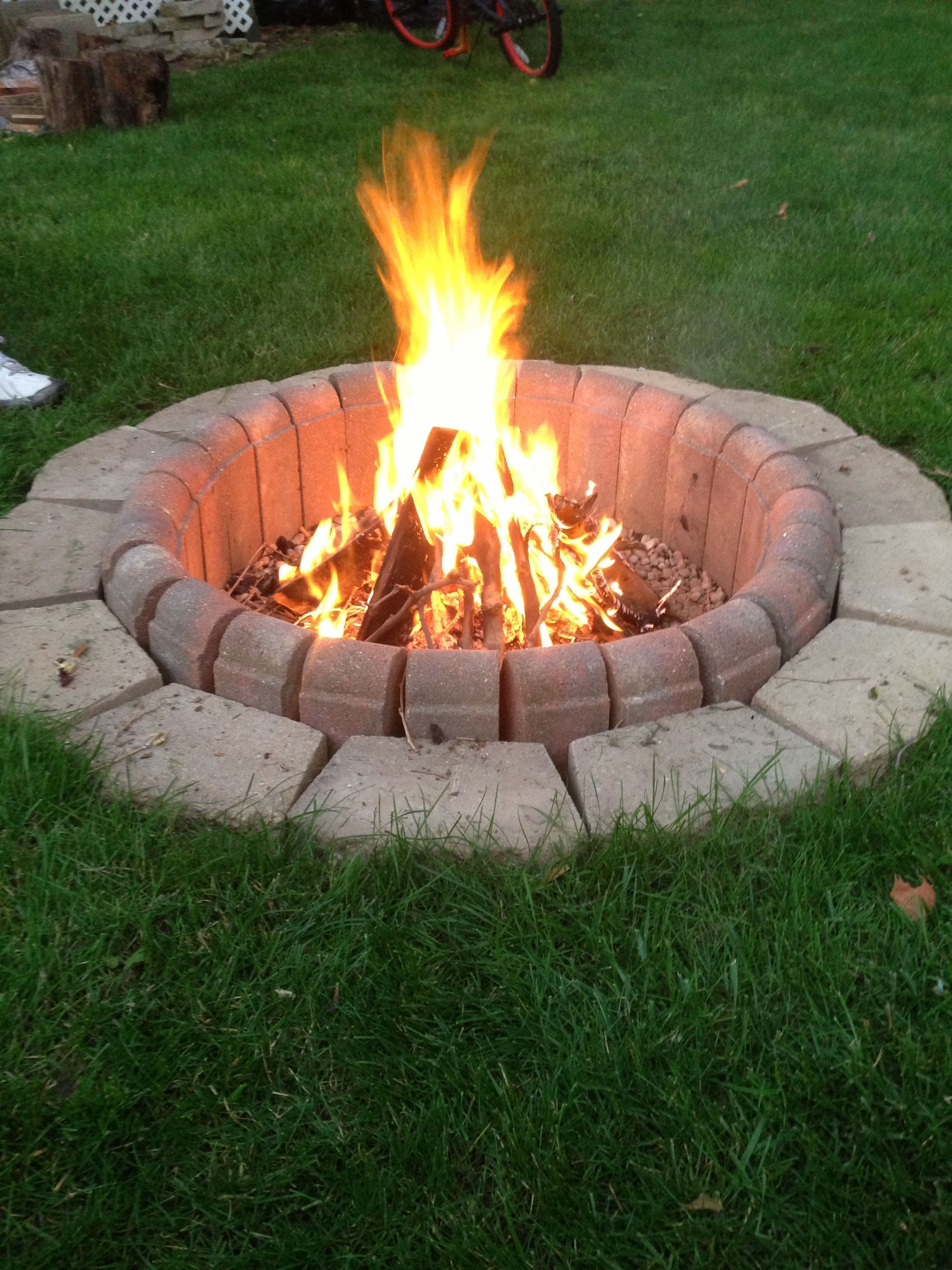 Easy Fire Pit With Bricks Rustic Fire Pit Ponds Fire Pit Propane