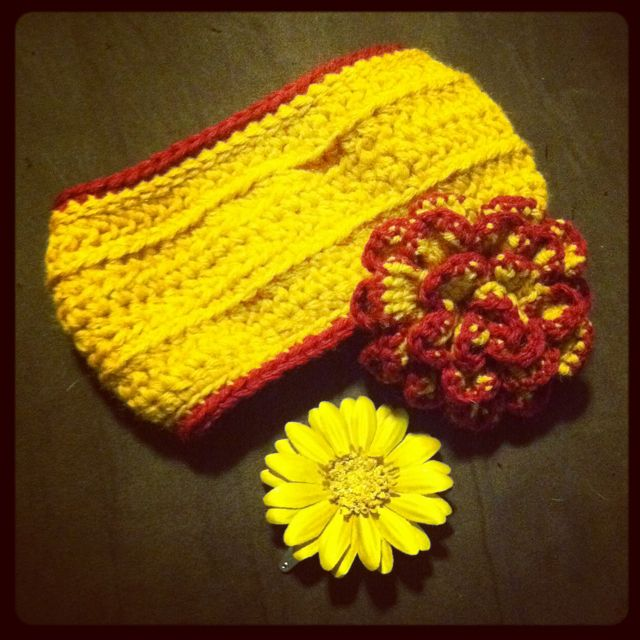 Headband/ear warmer with added flower hair clip/pin accessories.   Made of medium 100% acrylic worsted weight yarn or your choice of yarn. Multiple color combinations still available. The flowers are detachable and may be used as either a hair clip or decorative pin.  $30 Adult $25 Child $20 Baby/Infant  Price may change to either higher or lower from what is posted depending on yarn fibers chosen and if accessories are added. Please message me in detail of what you would like and I can give…