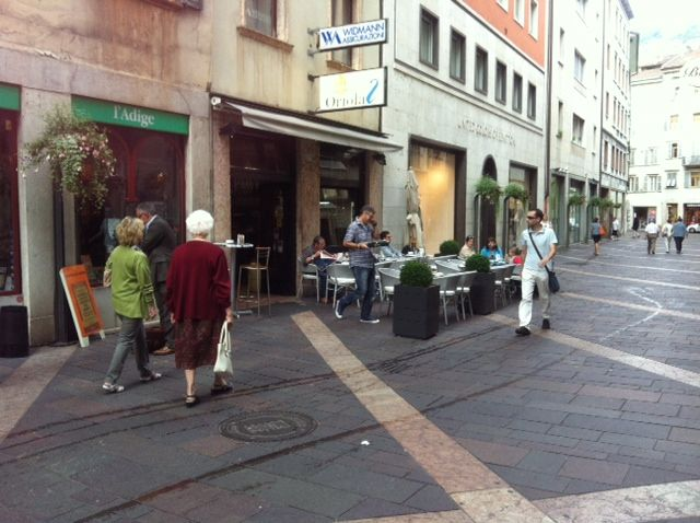 Via Oriola Trento with #Bellitalia planters