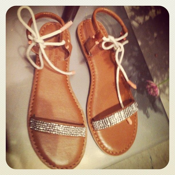 771c0bbe56379 Barely there glitter sandals at the American Eagle Spring Preview ...