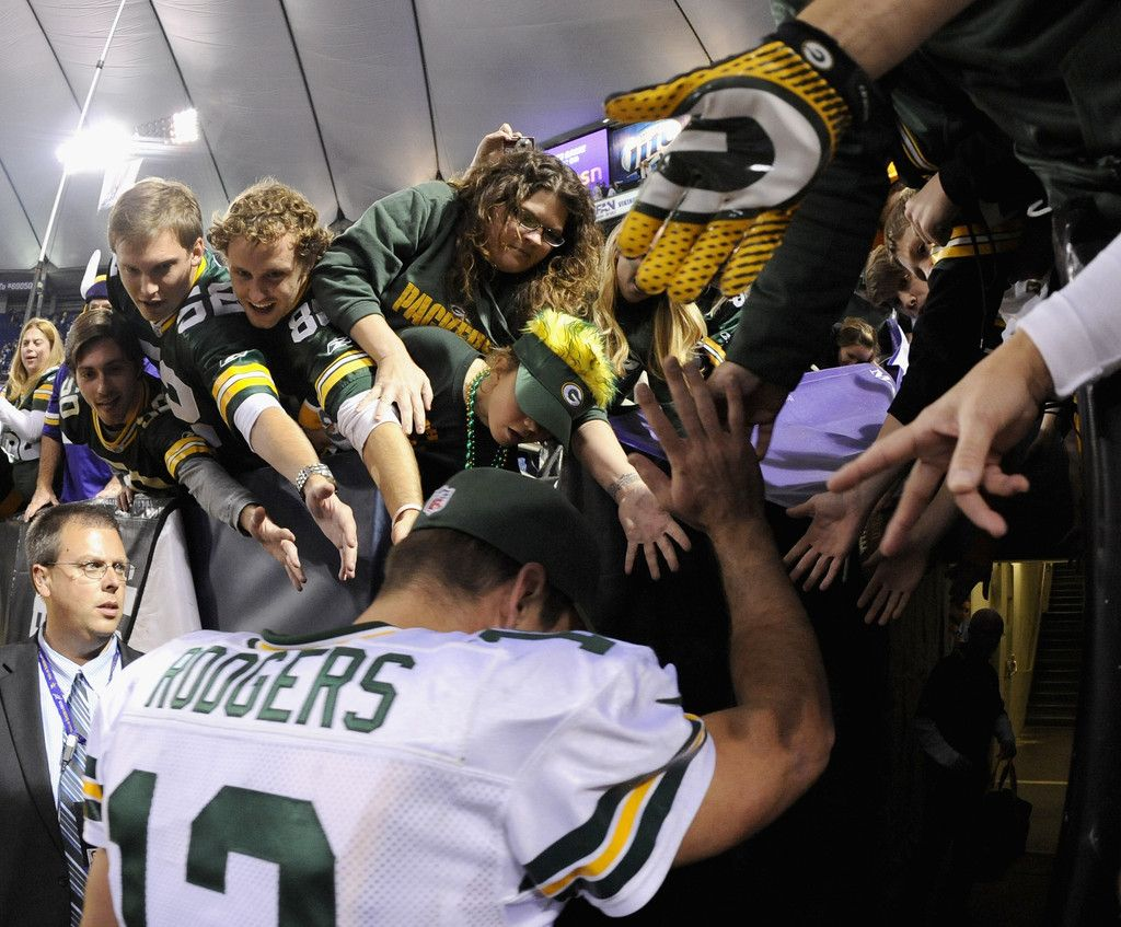 Aaron Rodgers Photos Photos Green Bay Packers V Minnesota Vikings Green Bay Packers Minnesota Vikings Aaron Rodgers