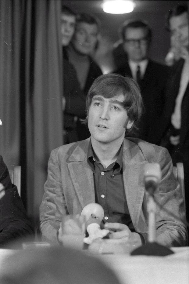 photo bill cunningham john lennon -LOVE THIS PICTURE OF JOHN.......WE ALL MISS YOU JOHN......LOVE ALWAYS.....R.I.P.
