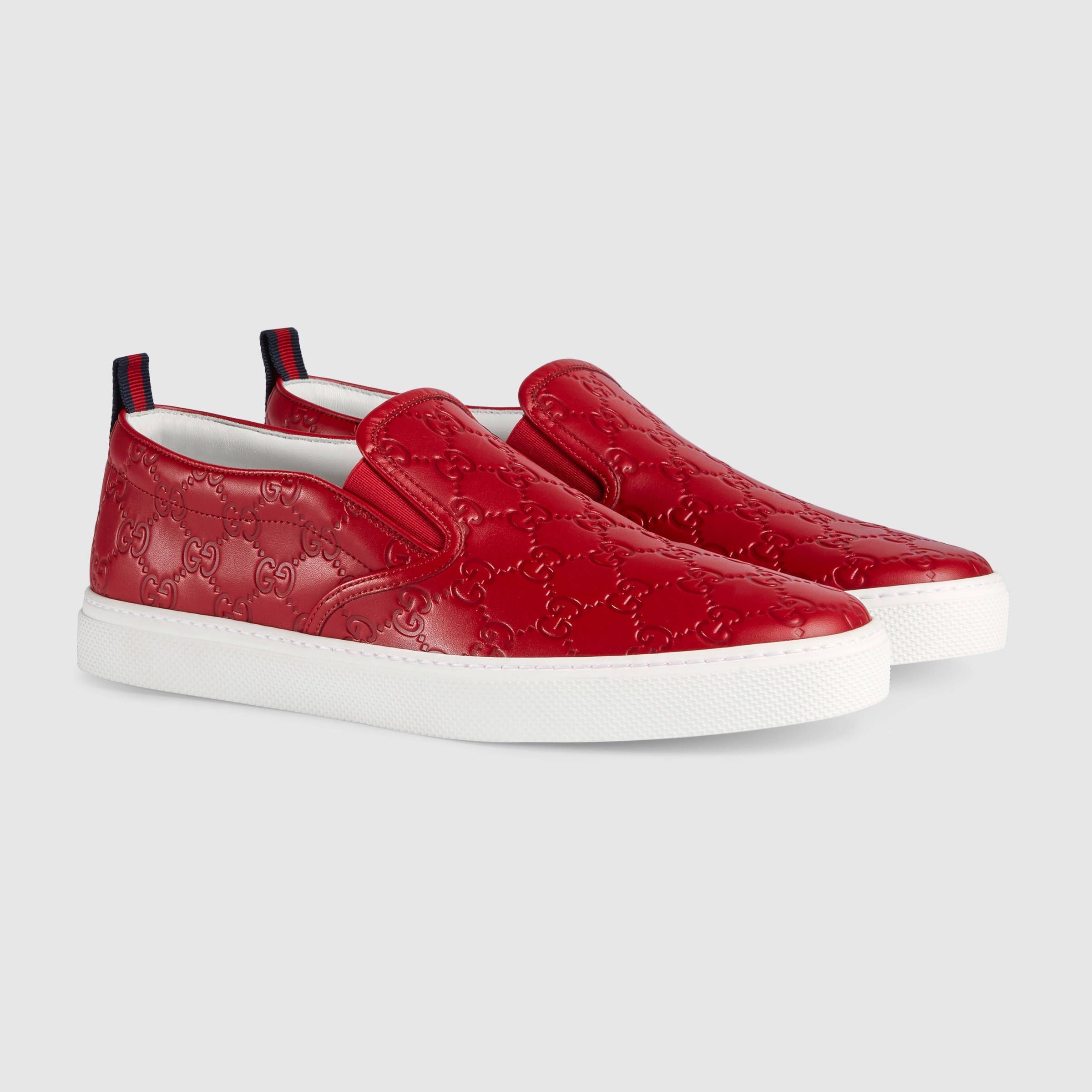 7d24d83e21014 Gucci Gucci Signature slip-on sneaker Detail 2