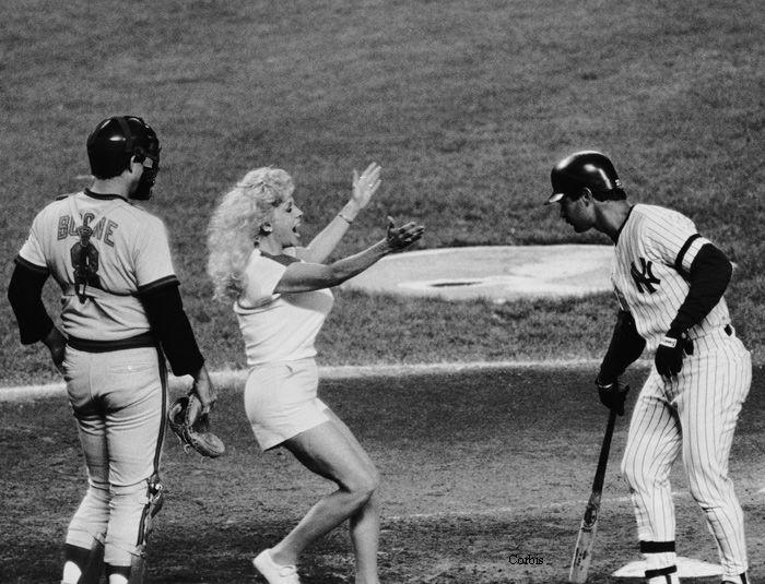 Bob Boone Morganna The Kissing Bandit Don Mattingly 1986 Don Mattingly Yankees Baseball Yankees Fan