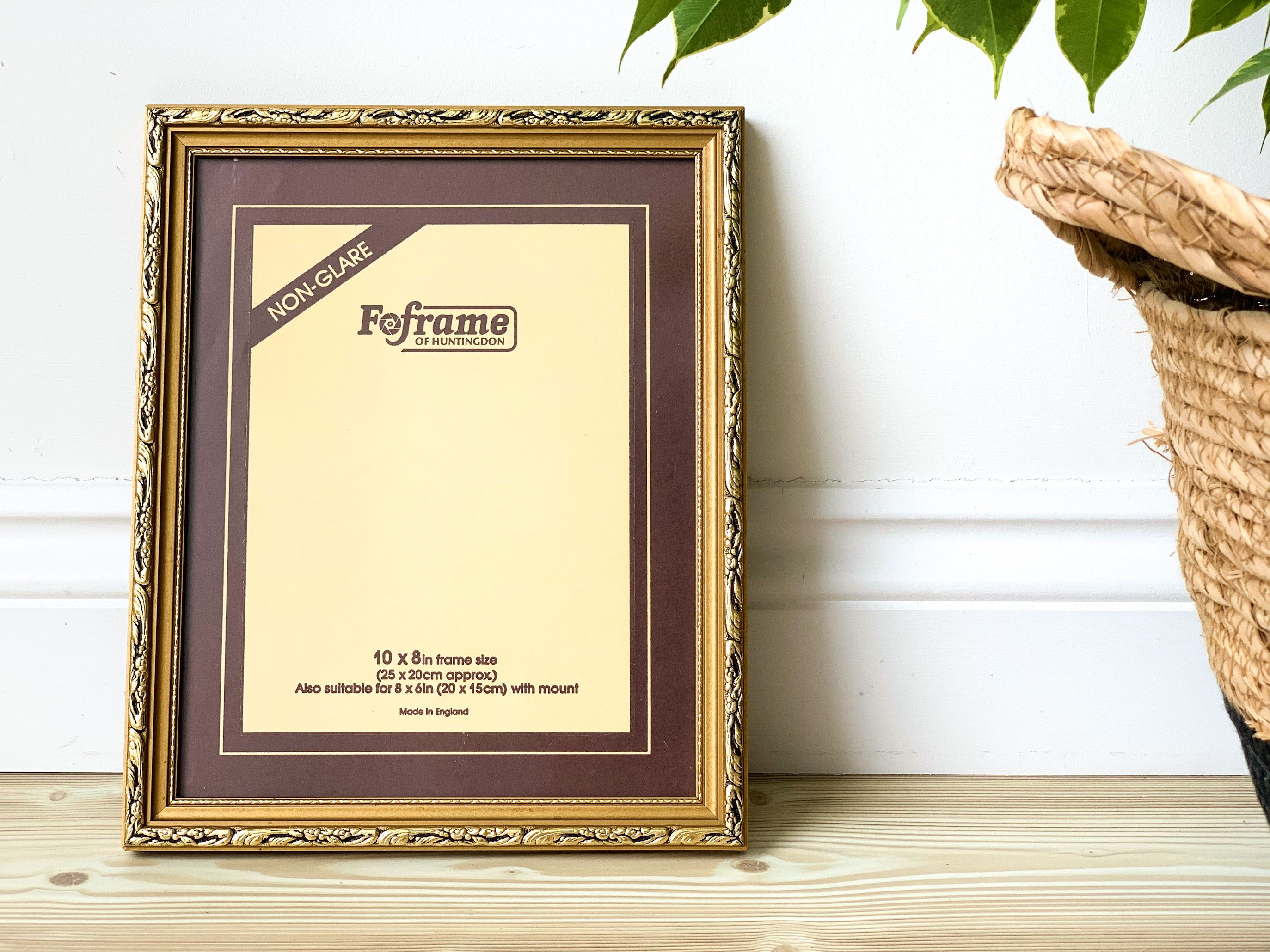 Vintage Gold Photo Frame By Foframe Of Huntington 10x8 Inches Ornate Gold Decorative Picture F In 2020 Picture Frame Decor Gold Photo Frames Vintage Home Accessories
