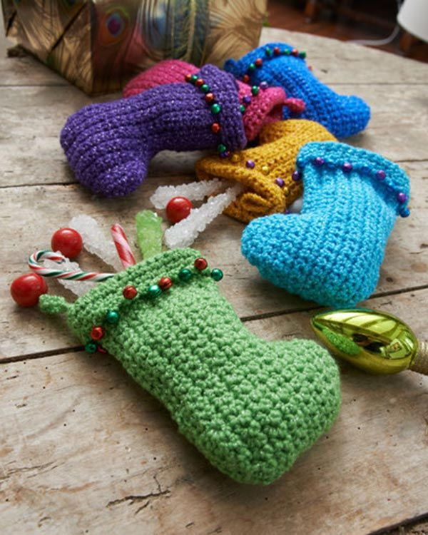 Free Jingle Bell Stockings Crochet Pattern From Redheart
