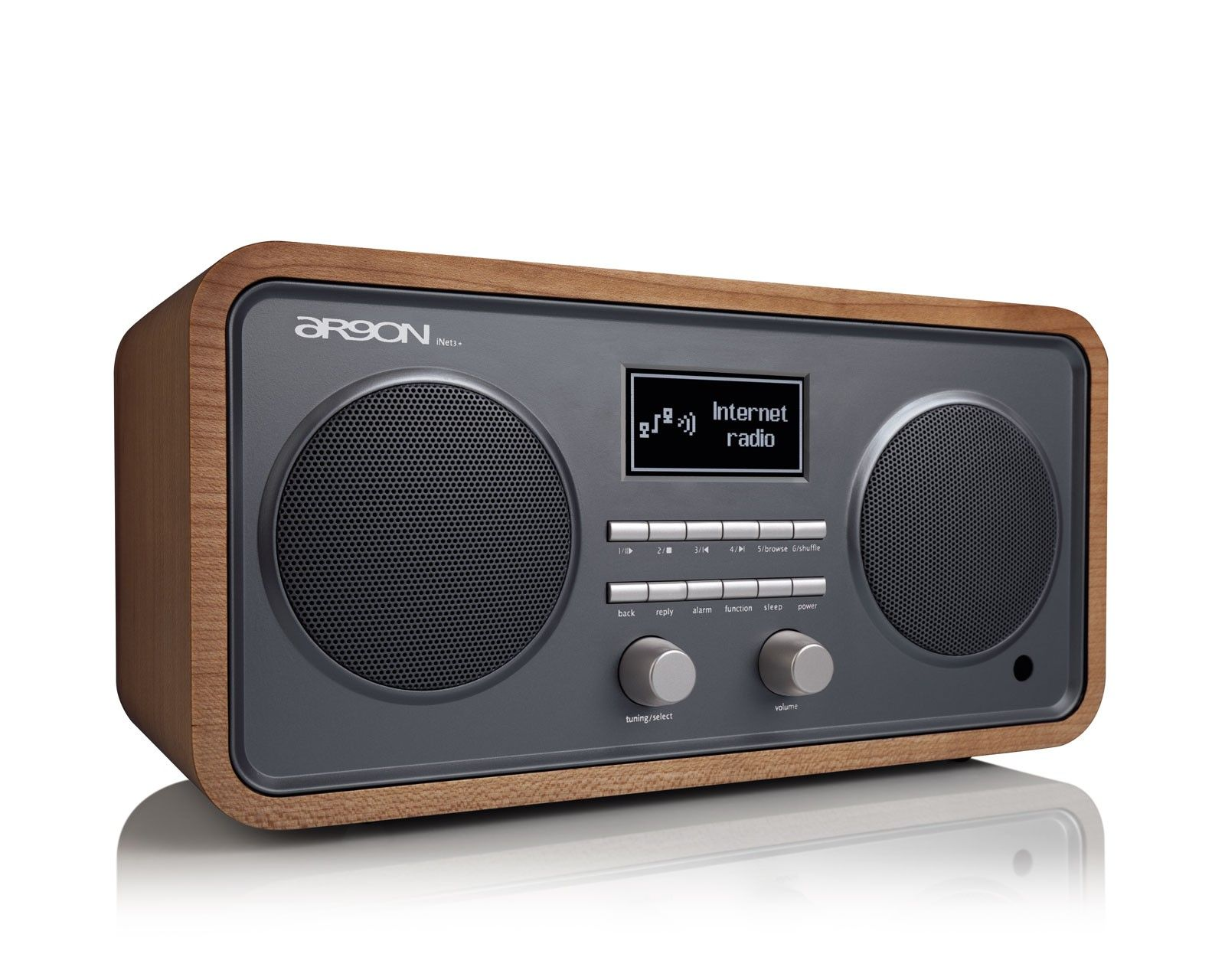 T 10153 12605 as well Ge 70s 80s Retro Woodgrain Clock Radio together with 128704501824537496 moreover Proton 320 Clock Radio in addition Tr82 Dab Retro Style Digital Radio Fmam. on old style clock radios