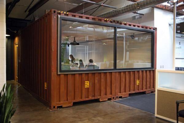 besprechungsraum aus altem container zum thema hamburg hafen b ro 2 0 pinterest raum. Black Bedroom Furniture Sets. Home Design Ideas