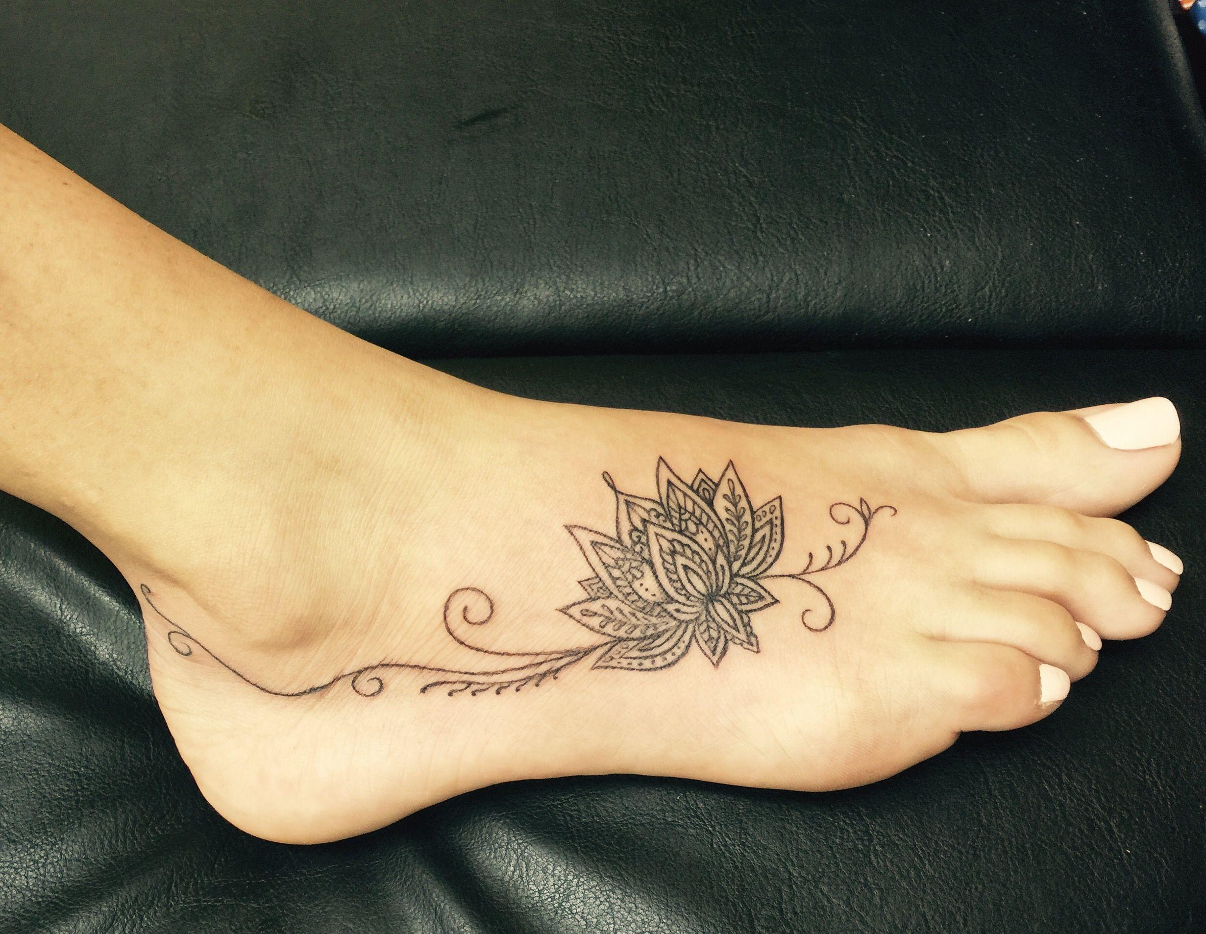 Lotus Flower Foot Tattoo Preferes Tatuajes Tatuajes Flor De