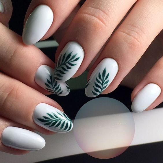 Chic Fall Leaf Nail Art Ideas In Autumn