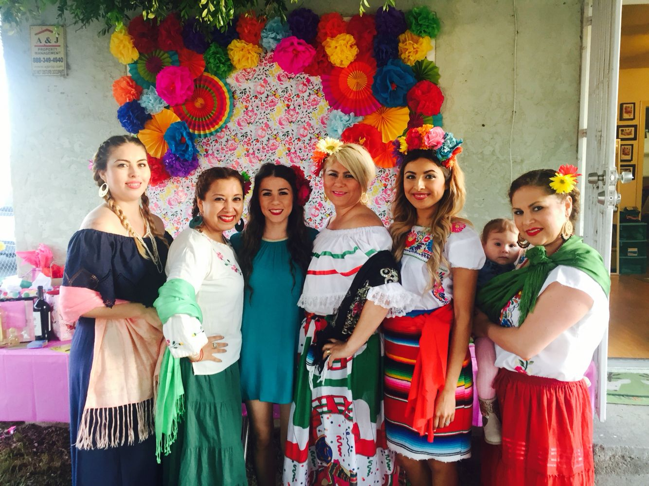 Mexican Theme Outfits | Fiesta | Pinterest | Mexicans