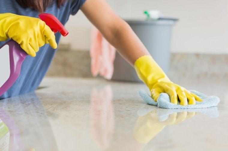 Limpiar Superficies De Granito Encimeras De Granito Limpieza A Domicilio Limpieza De Unas