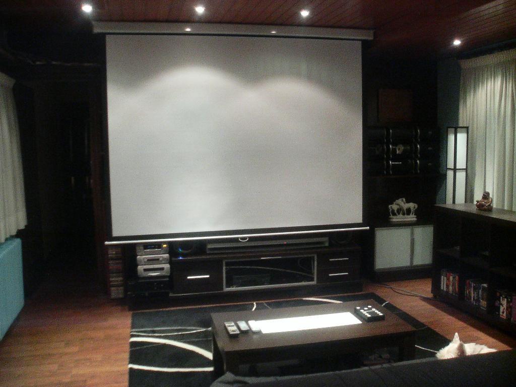Como poner una sala de cine en mi casa | Cine a casa | Pinterest ...