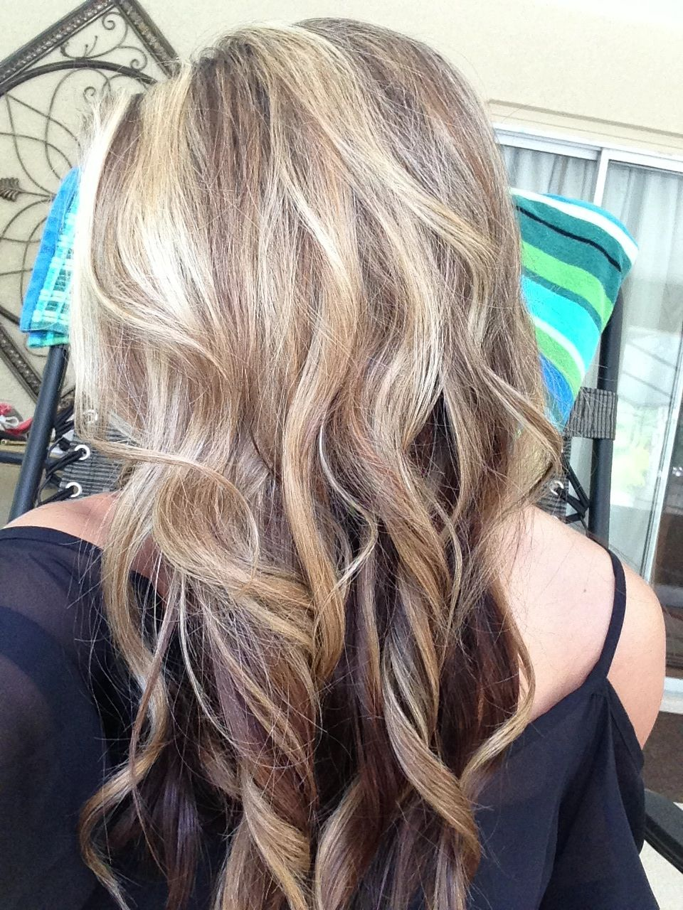 Pretty hair color if i decide to go darker and keep some blonde high