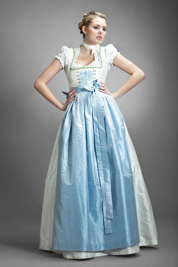 ドイツの民族衣装「ディアンドル」のウェディングドレスは