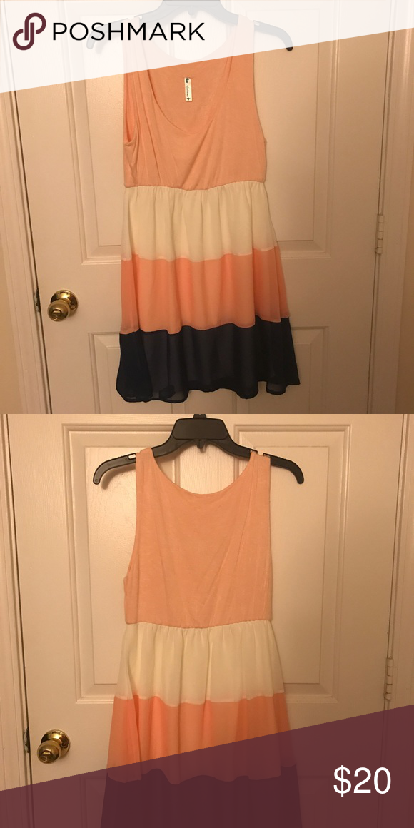 Super cute colorblock dress! Peach navy and white color block dress! Dresses Midi
