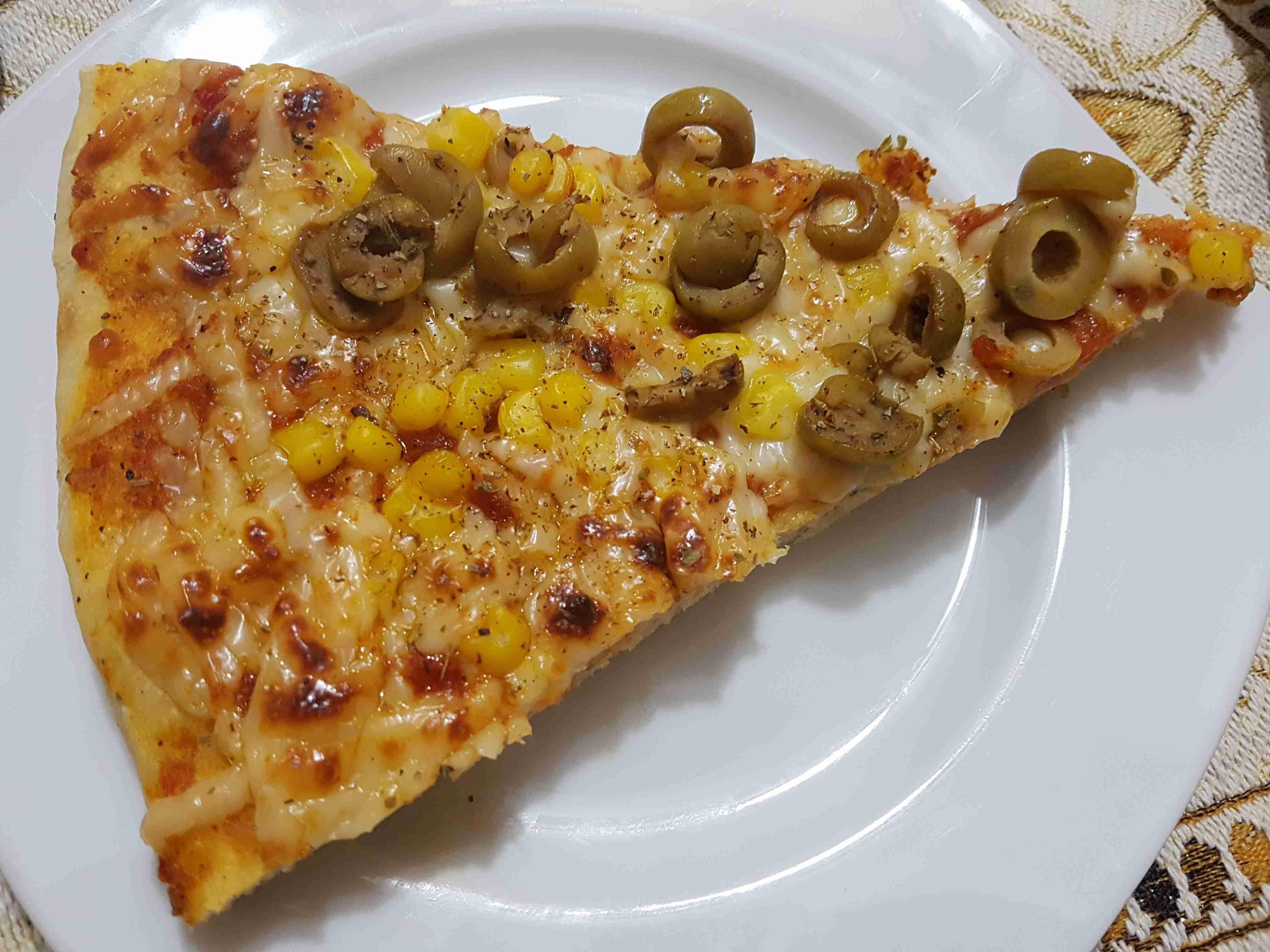 سر عمل عجينة البيتزا المثالية لعمل أفضل انواع البيتزا عجينة بيتزا هت Youtube Pizza Dough Food Homemade Pizza
