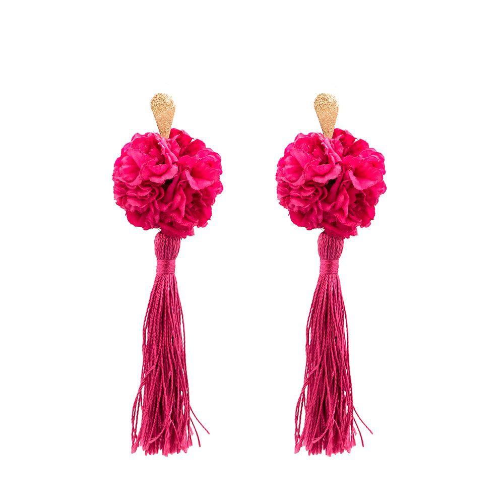 9c2d8fbd1006 Pendientes de flamenca de borla con clavel. La flor es de tela ...