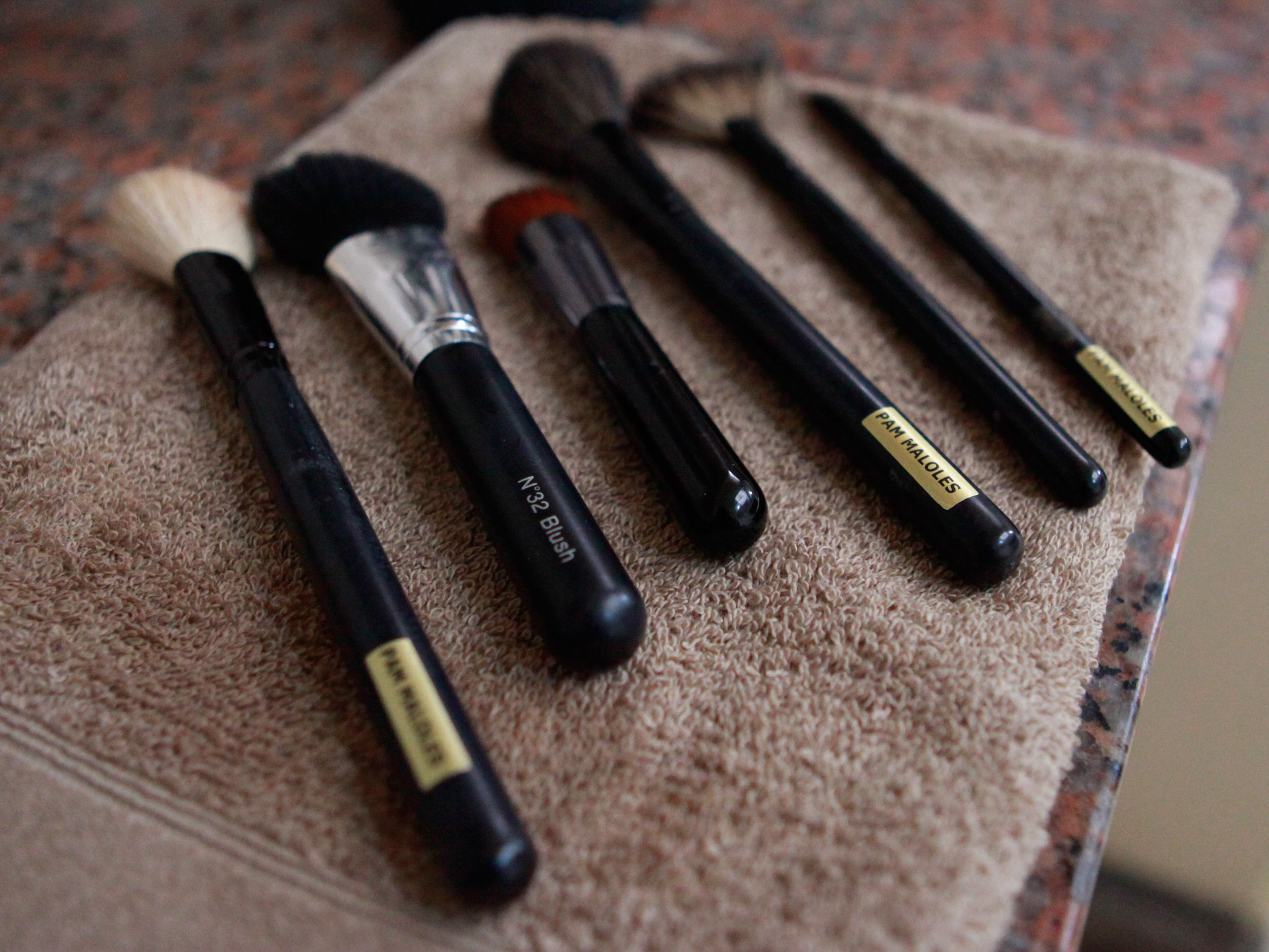 How To Clean Bare Minerals Makeup Brushes Mineral Makeup Brush Bare Minerals Makeup Minerals Makeup