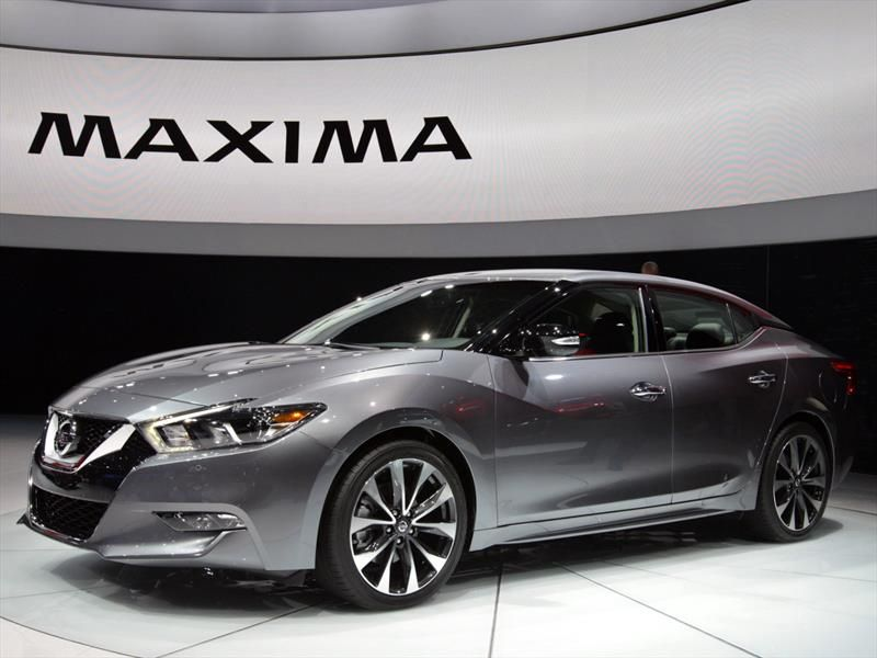 2017 Nissan Maxima Auto Show Exterior Silver Color Alloy Wheels Jpg 800 600 Nissan Maxima Nissan New Cars