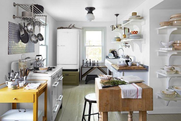 décoration cuisine blanche avec étagères de rangement… | Top ...