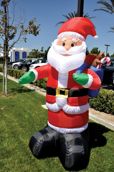 Holiday inflatable santa claus ez giant