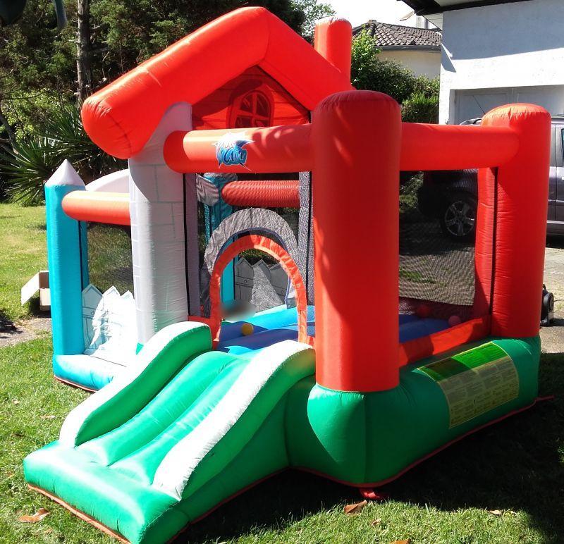 HAPPY HOP Aire De Jeux Gonflable La Maison Joyeuse270 X 250 X 220 CmPoids  Maxi Du0027utilisation : 130 Kg Soit 3 à 5 EnfantsLa Maison Joyeuse Est Une Aire  De ...