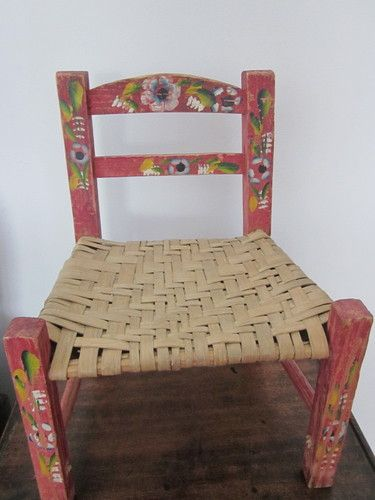 VINTAGE SMALL HAND PAINTED WOODEN CHAIR   MEXICO Circa 1960 70 In Home U0026  Garden
