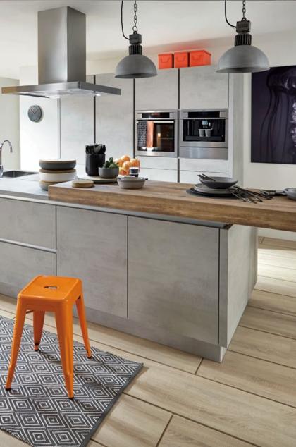 아일랜드 식탁을 활용한 주방 시스템 맞춤가구 인테리어 아일랜드 식탁을 활용하여주방에 필요한 용품들을 모던 부엌 디자인 주방 조리대 부엌리모델링