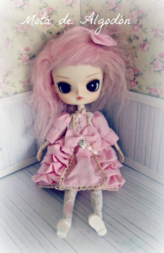 Lolita dresses for Pullip and Dal doll