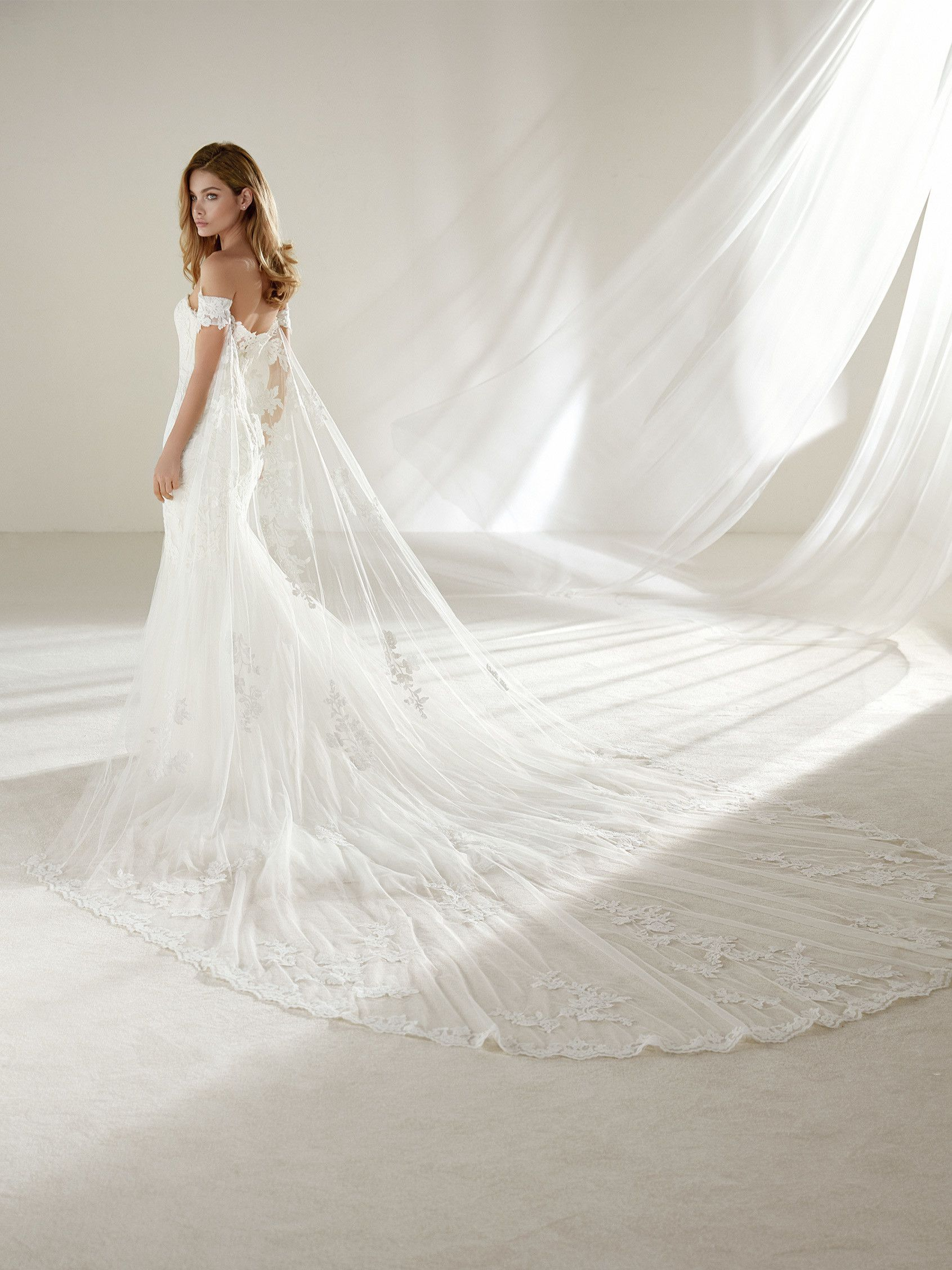 fb13be0fc83 Drimea  Wedding dress in lace for petite and slender brides ...