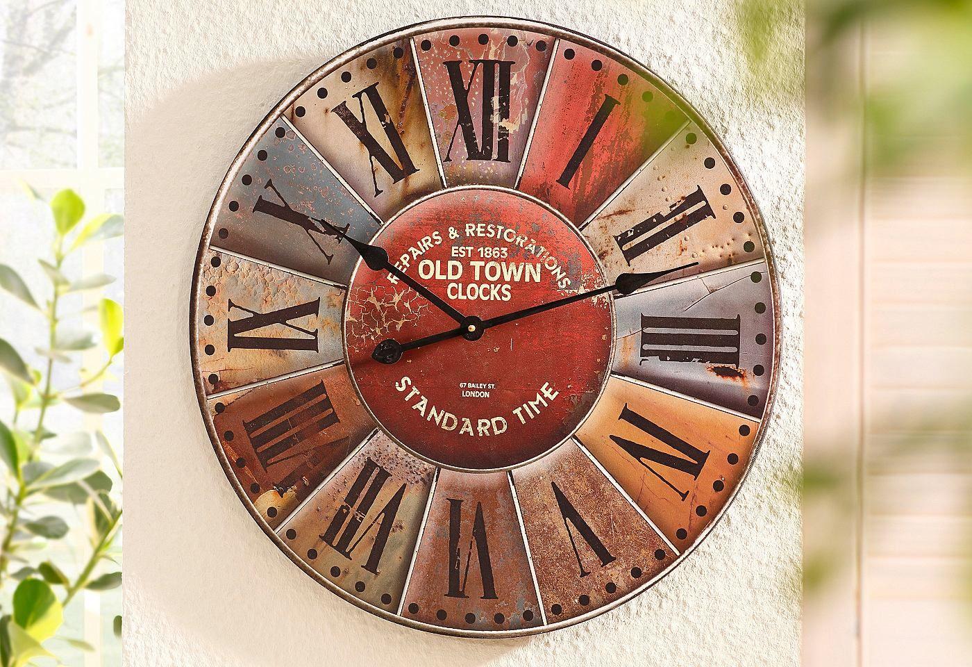 Die Uhr Im Retro Look Wurde Aus Holz Gefertigt Und Hat Die Maße Bh