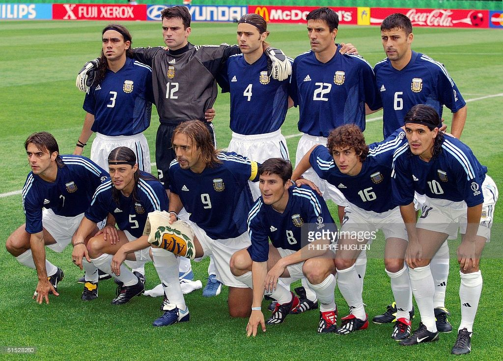 Argentinian Players Pose For The Traditionnal Team Picture Before The Group F First Round Last Match Sweden Arge Team Pictures Marcelo Bielsa Gabriel Batistuta