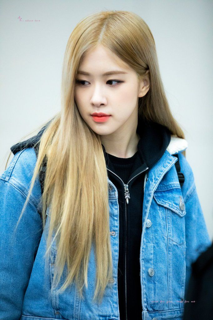 Fansite BLACKPINK Rosé Airport Photo from Hong Kong Back to Korea | Blackpink rose, Blackpink ...