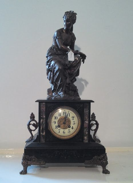 Pendule Napoleon Iii Marbre Noir Statue Elegante Aux Epis De Mais