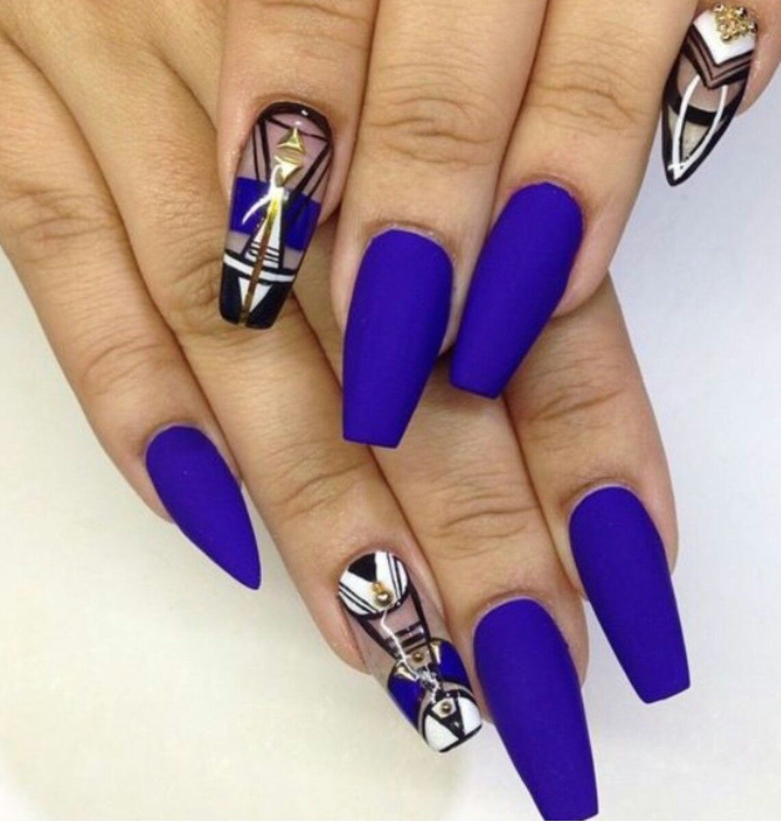 smooth navy blue nail paint