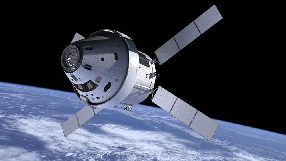 """""""Brema. Anno stellare 2016. Non solo famosa per i quattro musicanti della favola che ci raccontavano da bambini, ma anche sede della Airbus Defence and Space, dove è stato presentato il modulo spaziale Ems che accompagnerà la navicella della NASA """"Orion"""" nella sua missione di esplorazione dello spazio verso la nostra Luna, la cintura di asteroidi e Marte.""""…"""