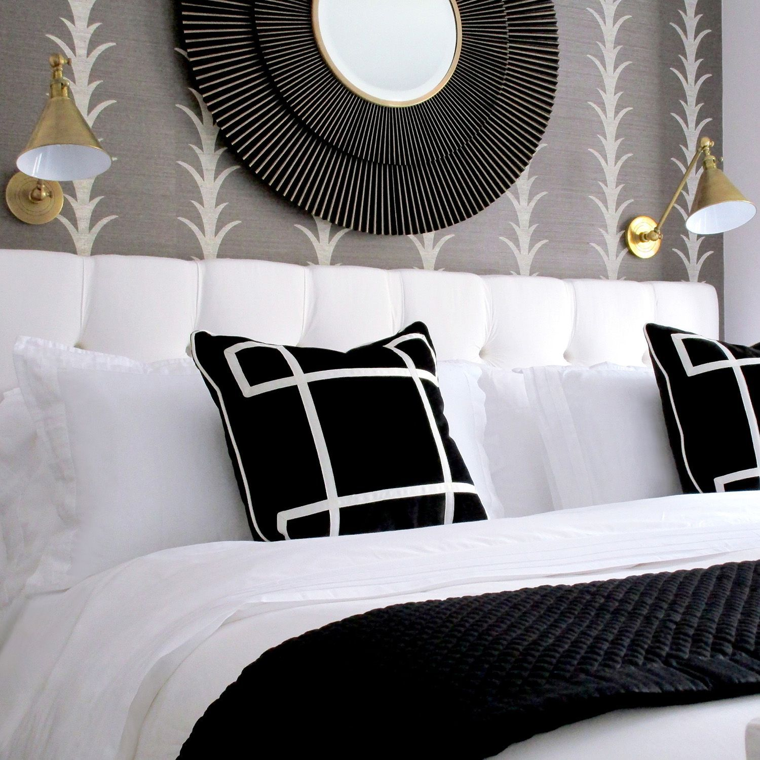 Photo of 36 Black And White Bedrooms That Are The Peak Of Chic
