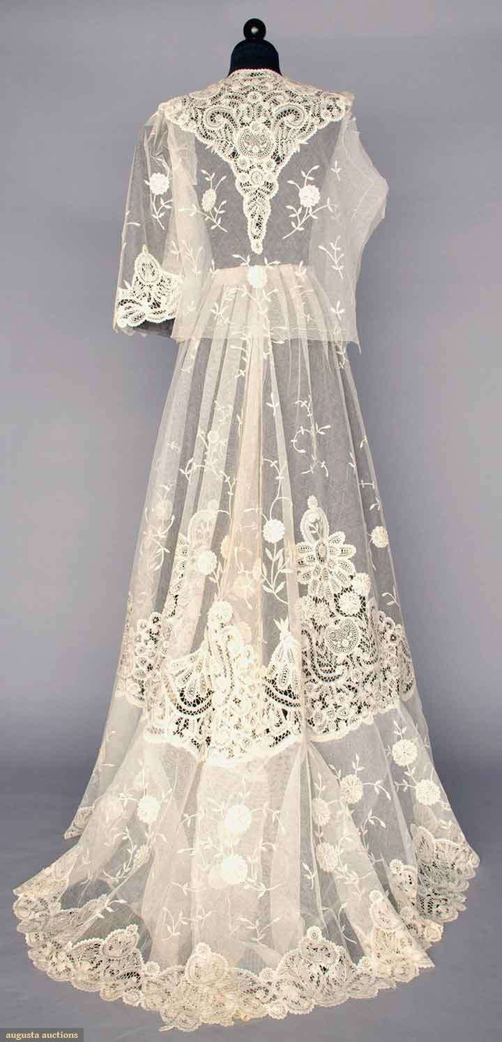 White lace tea gown, 1905. Unassembled and unworn: trained skirt ...