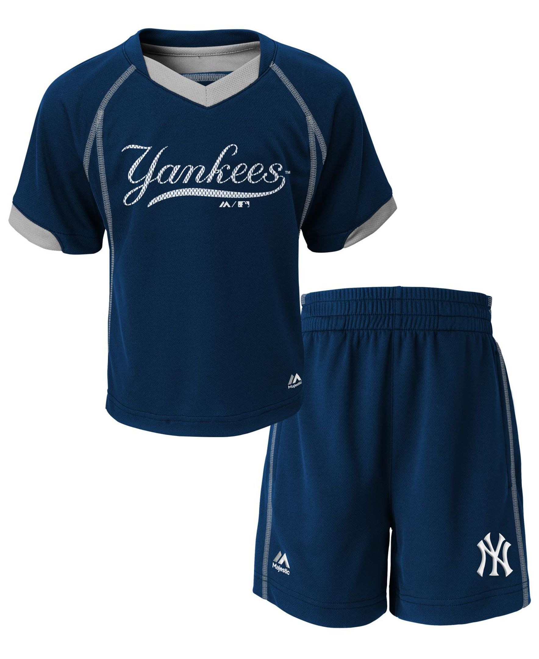 993fc1bc007 Majestic Toddlers  New York Yankees Lead Hitter Shirt and Shorts Set ...