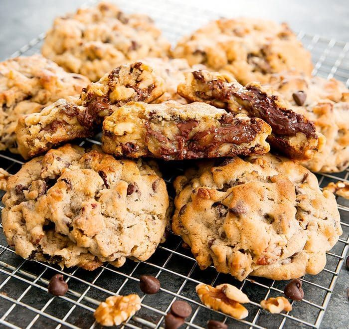 Levain Bakery Chocolate Chip Cookies Recipe Levain Bakery Bakery Chocolate Chip Cookies