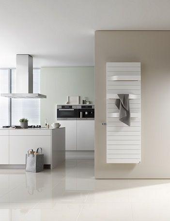 Keuken met Kermi Tabeo designradiator (ook voor de badkamer ...