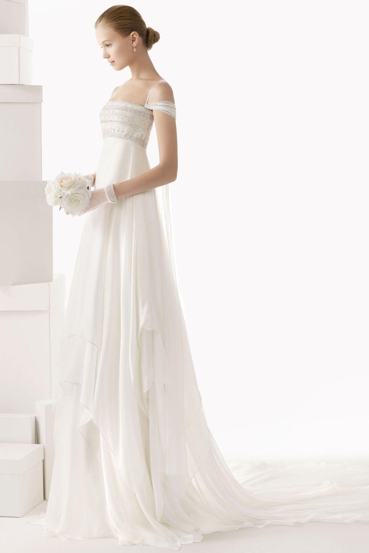 Robe blanche forme empire