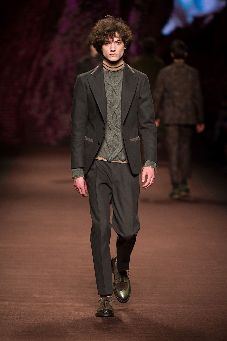 Etro Man Autumn Winter 16-17 Fashion Show  Discover more: bit.ly/1n7d6v2