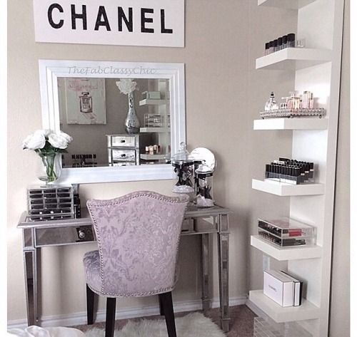 Viva Glam Couture decor Pinterest Viva glam, Couture and Vanities - Bedroom Vanity Table