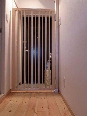 Diy女子 賃貸でもできる 超簡単 憧れの壁収納シェルフ 猫