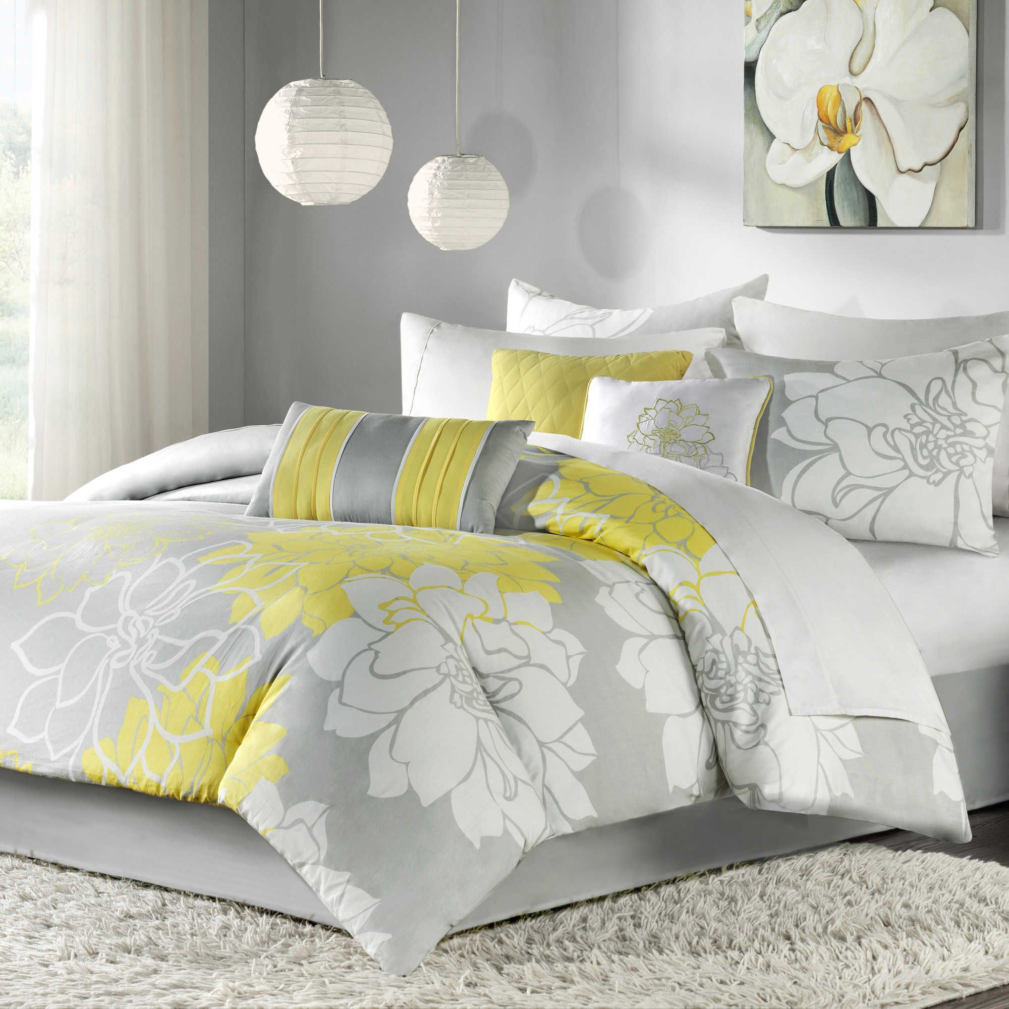 Madison Park Lola 7 Piece Reversible Queen forter Set in Grey