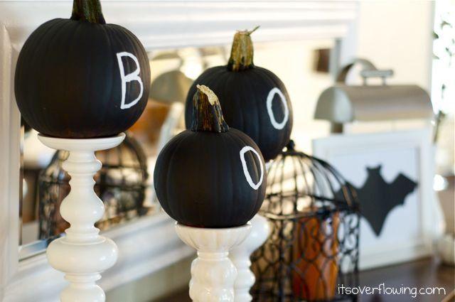 Decorating Pumpkins ! So cute