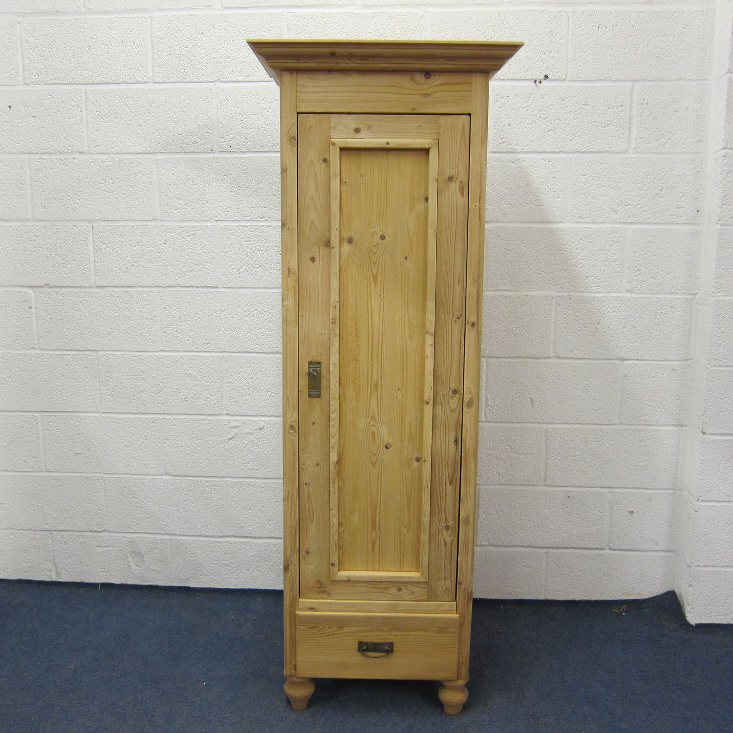 Tall slim pine cupboard (z7602b) — Pinefinders Antique Pine Furniture  Warehouse - Tall Slim Pine Cupboard (z7602b) — Pinefinders Antique Pine